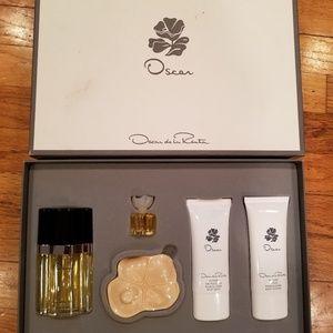 Other - Oscar De La Renta 5 Piece Gift Set
